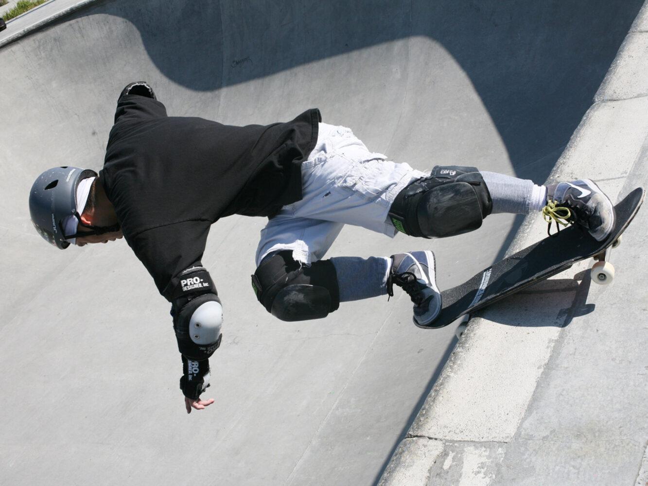 03_Ballard-Park-skatebowl-02